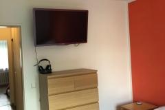 Schlafzimmer-mit-TV