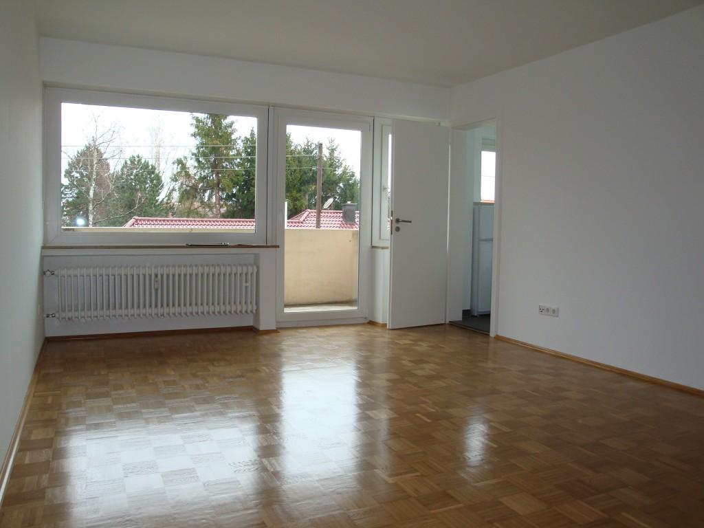 maxxum ihre immobilien spezialisten helle gut geschnittene 2 zimmer wohnung im herzen von. Black Bedroom Furniture Sets. Home Design Ideas